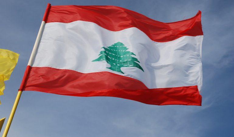 UN GRUPPO DI STUDENTI REALIZZA LIBRI DI STORIE PER I BAMBINI RIFUGIATI IN LIBANO
