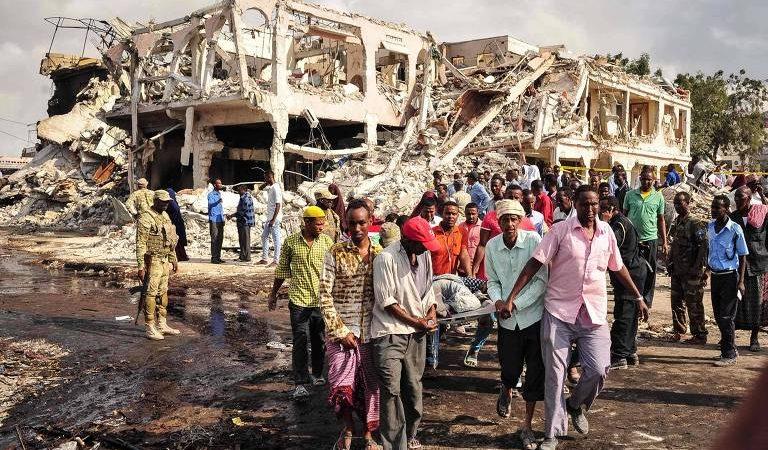 COLPITI ANCHE GLI UFFICI DI ADRA NELL'ATTENTATO IN SOMALIA