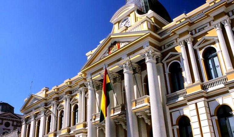 IL PRESIDENTE DELLA BOLIVIA ANNUNCIA DI VOLER ABROGARE IL CODICE CHE LIMITA L'EVANGELIZZAIONE
