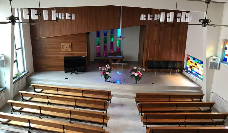 """Alcuni lavori nella chiesa di Lugano rendono """"l'altare"""" più vicino al credente"""